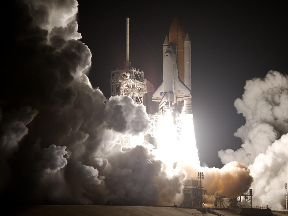 discovery_liftoff_2009_nyreblog_com_.jpg